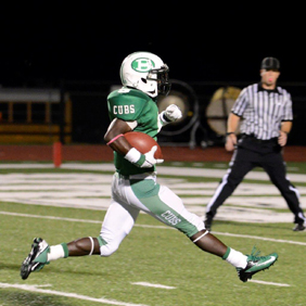 Patterson takes it to the house!  Part of 322 yards & 4 TD's. (Courtesy: Larry Urquhart)