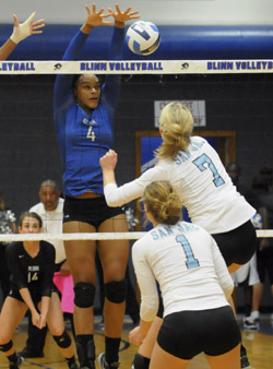 2013 buc vb Jaeda Allen action