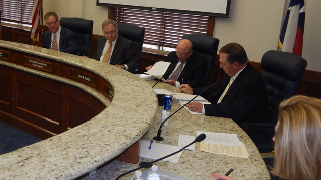 The Blinn Board will hear reports on student life,m Tuesday.