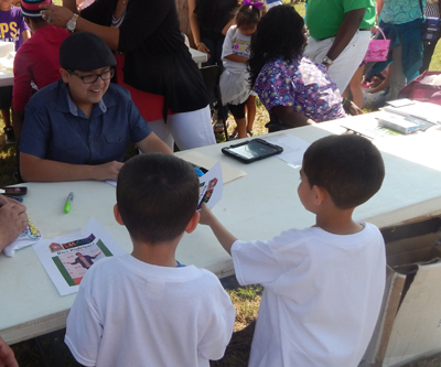 """Modern Familiy"" star Rico Rodriguez meet two young fans."