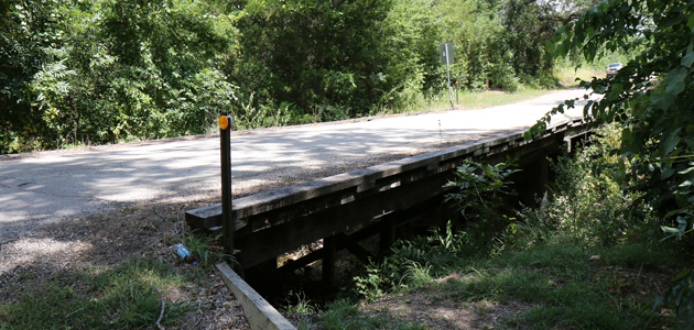 Quebe road bridge feature