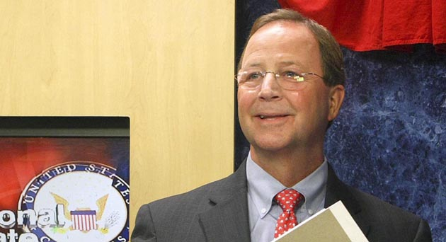 Republican candidate Bill Flores collects his notes after his debate with Texas Democrat Congressman of District 17 Chet Edwards, Sunday, Oct. 24, 2010 in Waco, Texas. (AP Photo/ Waco Tribune Herald, Jerry Larson)