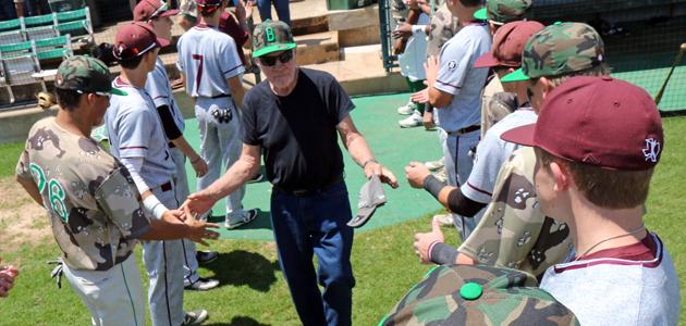 veterans greet feature