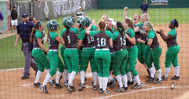 Cubettes celebrate Kathryn Marshall's three run home run