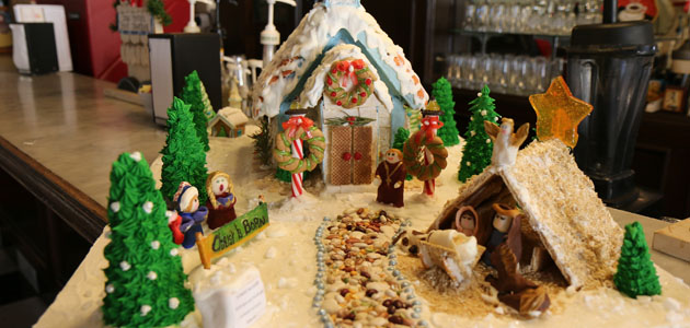 gingerbread-house-feature