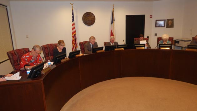 Photo of CITY COUNCIL TO MEET TODAY TO DISCUSS FUNDING ROAD IMPROVEMENTS