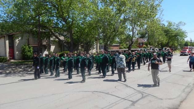 The Brenham Cub Band had the music for the Maifest Parade.