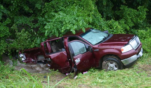 105 accident truck
