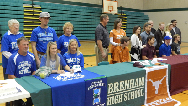 Photo of FIVE BRENHAM ATHLETES SIGN EARLY