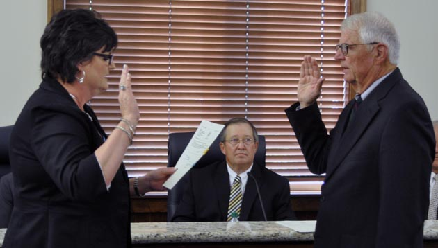 Photo of FORMER BANNER-PRESS PUBLISHER MOSER WELCOMED AS NEWLY-APPOINTED TRUSTEE
