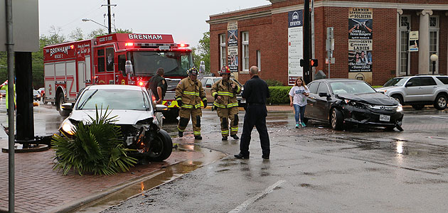 Photo of TWO-CAR ACCIDENT IN DOWNTOWN BRENHAM