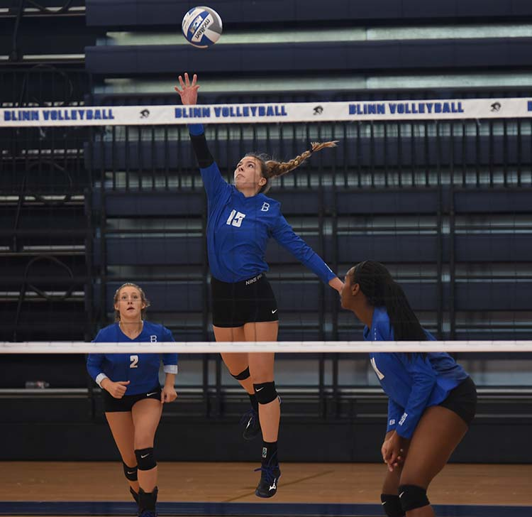 Photo of BLINN'S SHEETS EARNS ALL-CONFERENCE PLAYER OF THE YEAR AWARD