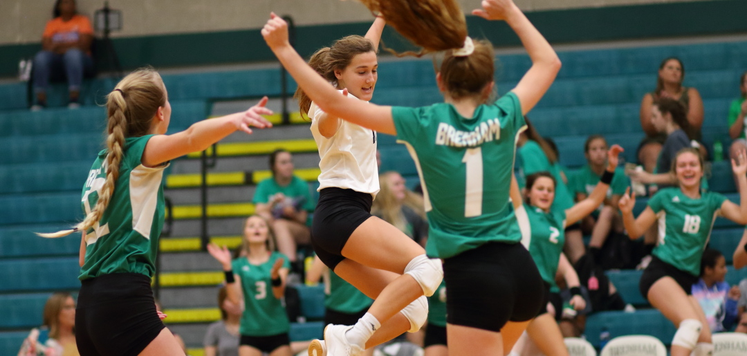 Photo of BRENHAM CUBETTES OPEN DISTRICT PLAY WITH WIN