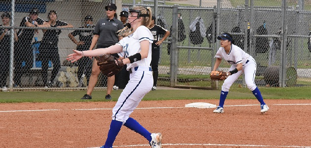 Photo of BIG OFFENSE LIFTS BUCCANEERS TO SWEEP OVER KILGORE, 13-1 AND 2-0
